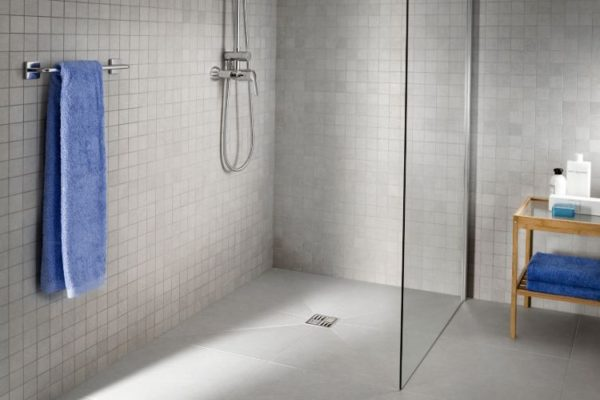 Square shaped shower drain
