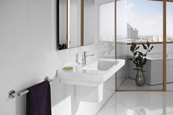 Roca dama and compacto washbasin