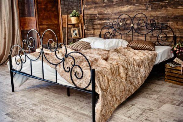 Metallic iron classic bed
