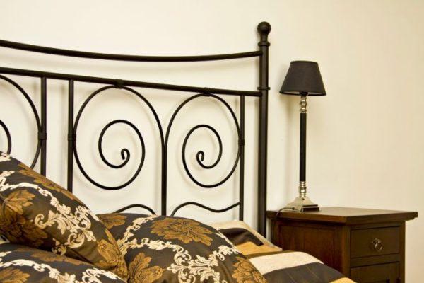 Floral design black bed
