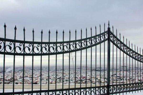 High end vertical railings gate