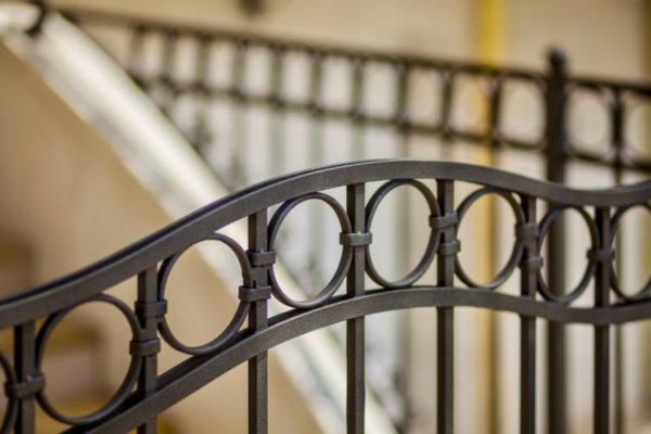 circle design vertical rails gate