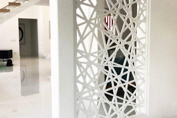 White wall design msharabia