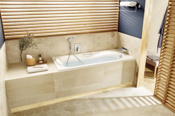 Roca Malibu bathtub