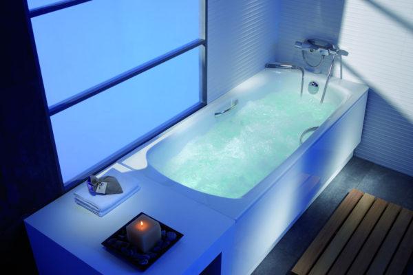 Roca swing bathtub