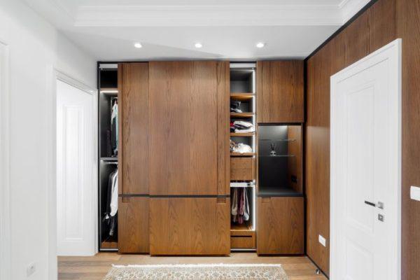 Polished brown sliding wardrobes