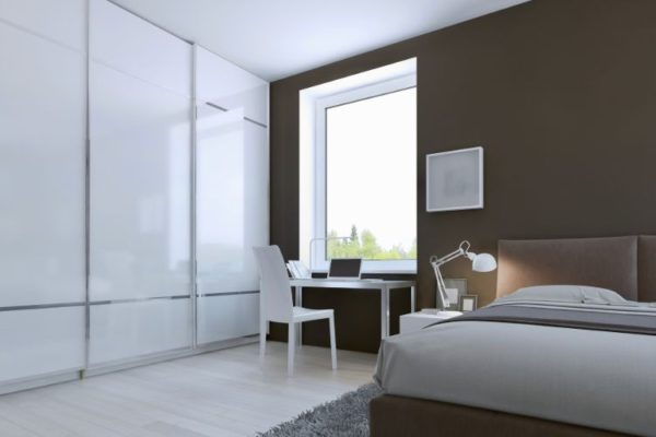 Shiny white sliding wardrobes