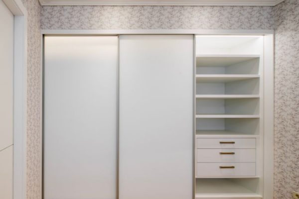 pearl white sliding wardrobes