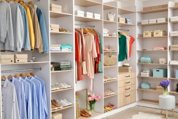 Well spaced walk-in cabinet