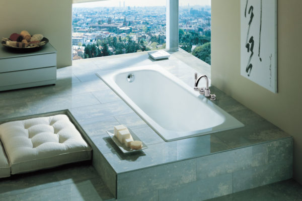 Continental bath tub