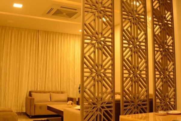Classic golden living room partition msharabia