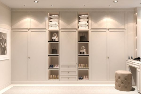 Vertical and square top shelves