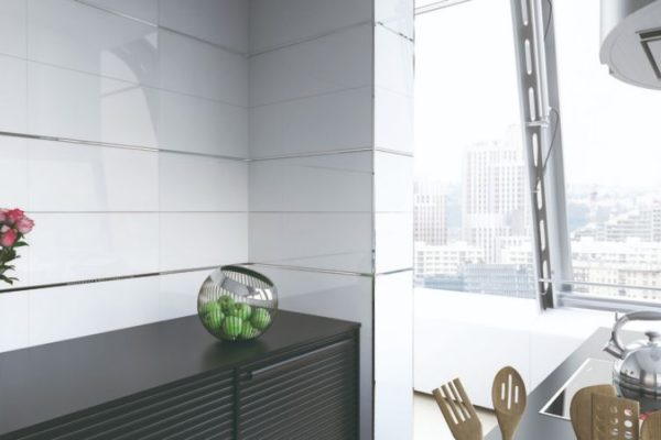 Neat kitchen top and glass wall