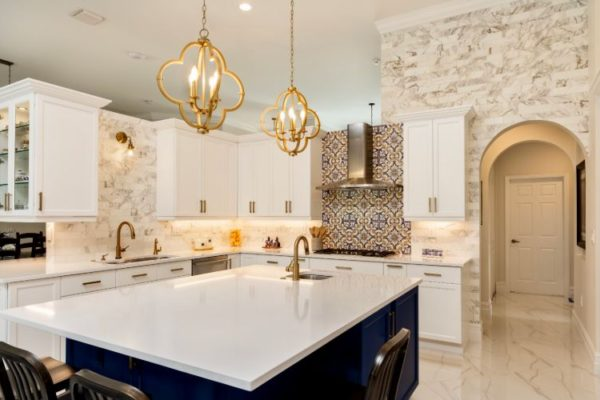 Shiny white kitchen top