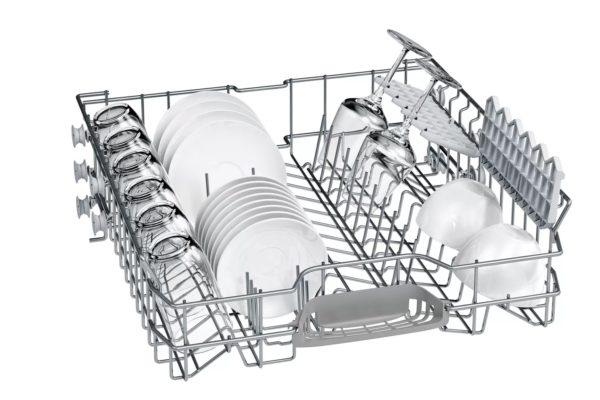 Bosch dishwasher with crockery on it