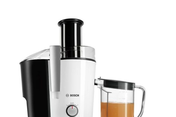 Bosch centrifugal juicer 700W white jug with juice
