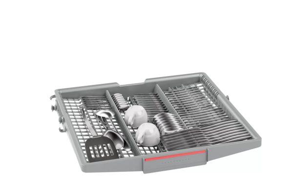 Fully intergrated Bosch dishwasher