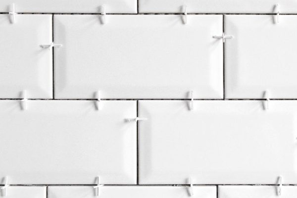 How to place tile spacers